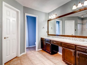 601 Pigeon Forge Dr-MLS_Size-020-Master Bathroom-1024x768-72dpi
