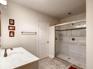 4532 Highland Terrace Austin-MLS_Size-020-Master Bathroom-1024x768-72dpi